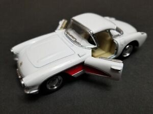 1957 White Chevrolet Corvette Diecast Model Toy Car, Scale 1:34, Model KT5316