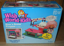 #4301 Vintage Kenner Wish World Kids Blaze n Braise Fireplace with Trina Doll