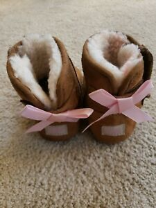 UGG AUSTRALIA Pink Bow Toddler Girl's Size 4 5 Ribbon Suede Boots Booties