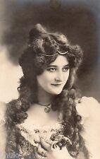 BD756 Carte Photo card RPPC Femme portrait mode fashion long cheveux Vers 1920