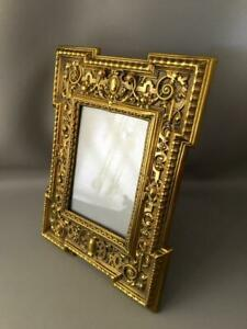 ANTIQUE VTG REPOUSSE BRASS & WOOD TABLE EASEL PICTURE FRAME ENGLAND?
