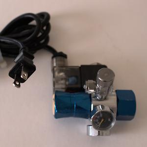 CO2 Regulator with Lighted Solenoid Valve