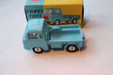 Altri modellini statici di veicoli blu pressofuso jeep
