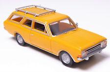 H0 BREKINA Personenkraftwagen Opel Rekord C CarAVan Caravan Dachträger # 20556