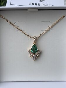 Ring Bomb Party Emerald And White Topaz Necklace