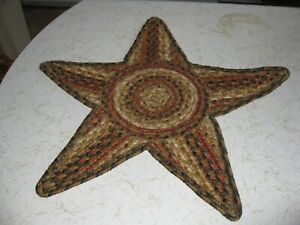 """STAR BRAIDED RUG CENTERPIECE MAT 20"""" BY 20"""" USED"""