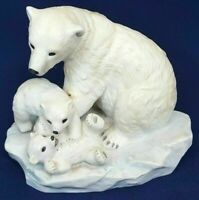 Homco Home Interiors Masterpiece Porcelain Endangered Species Polar Bears 1993.