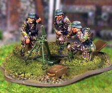 THE COLLECTORS SHOWCASE WW2 GERMAN PANZERGRENADIER CBG019 8CM MORTAR TEAM MIB