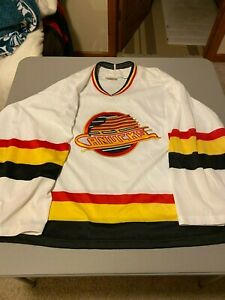 Replica Vancouver Canucks home Hockey Jersey CCM XL NHL sewn crest
