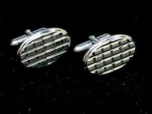 Vintage SWANK Oval Diamond Etched Grid Modern Woven Silver Tone Matte Shiny
