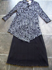 BNWT Women's Crinkle Polyester Black Dress & Black & White Jacket Size 10