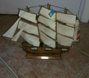 "Vtg USS Constitution 1797 Ship Model Replica 14"" Wood Nautical Sail Décor Preown"