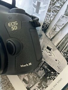 Canon 5D Mark III (body only) for Sale DS126321 (excellent)