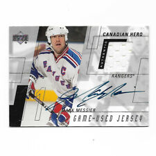 Mark Messier New York Rangers Upper Deck Autographed Jersey Patch Hockey Card