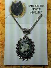 PRETTY BUTTERFLY AND FLOWER CAMEO NECKLACE  [20/10/14]