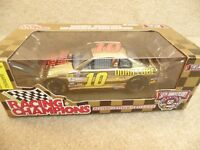1998 Racing Champions 1:24 Gold NASCAR Phil Parsons Dura Lube Monte Carlo #10
