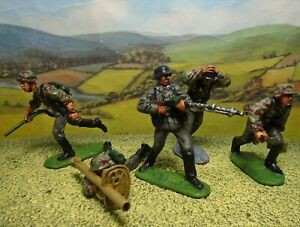 Superbly painted CTS 1/32 scale WWII German Assault Troops x5. (Set 2)