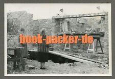 Altes Privatfoto/Vintage photo: Maurer in Berlin-Zehlendorf bei der Arbeit 1958