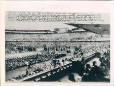 1964 Press Photo Pro Vietnam Rally in Stadium 1960s China