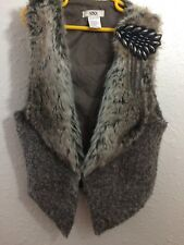 Hendi Girls Fur Vest One Size Fits All 6-12 Brooch Vegan Faux Brown Gray