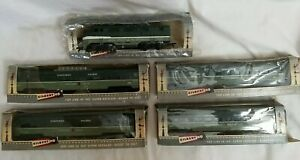 VTG GILBERT HO #424 F3A & NORTHERN PACIFIC 4-CAR PASSENGER SET with ORIG. BOXES