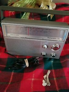 Vintage Realistic Deluxe 5 Band Radio Portavision 50 12-780