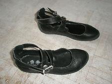 Chaussures fille en cuir pointure 34 neuves jamais portées
