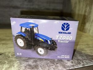 1/64th Scale New Holland T7040 Tractor 2007 Farm Show Edition Ertl