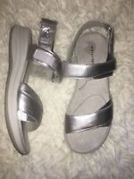 Easy Spirit Women's Draco Wedge Sandals SILVER 9 WIDE