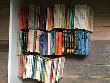 Gros lot de 80 livres de Sciences Fiction divers   # 140