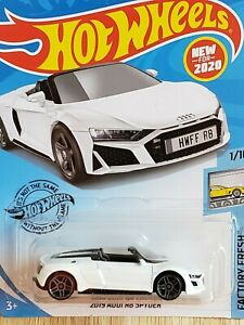 Hot Wheels 2020 2019 Audi R8 Spyder 175 White