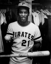 ROBERTO CLEMENTE SHOWS 3000TH HIT BAT & BALL AFTER THAT HISTORIC GAME 8x10