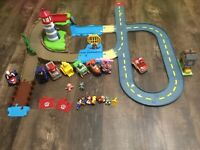 Paw Patrol - Skye & Zuma's Lighthouse Rescue & Rocky's Barn Track Set Racer Lot