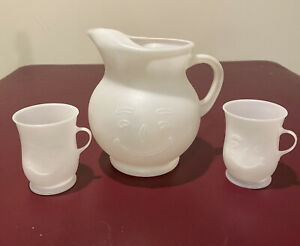 Kool Aid Man Vintage 2 Qt Pitcher And 2 Matching Drink Cups White Plastic