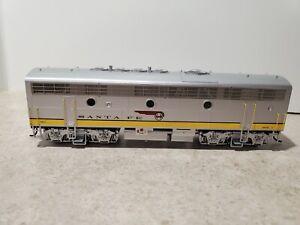 HO scale InterMountain Santa Fe # 338 EMD F7B locomotive train With DCC !