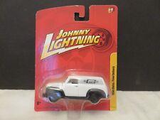 Johnny Lightning 1950 Chevrolet Chevy Panel Delivery Mr.Gasket White JL#12 2010