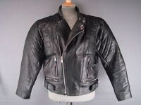 SUPERB QUALITY & CONDITION CLASSIC BLACK LEATHER AKASO BIKER JACKET 42 INCH
