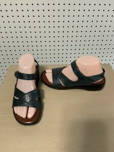 Womens Naturalizer sandals  - size 7.5 - navy blue - #695NA81