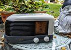"Antique Zenith ""Bullet"" Model 422 bakelite tube  table radio  ca1940"