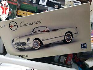 1:18 AUTOart Millennium 1953 Chevrolet Corvette in Polo White BEAUTIFUL NICE CAR
