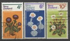 """No: 102358 - NEW ZEALAND - """"FLOWERS"""" - LOT OF 3 OLD STAMPS - USED!!"""