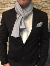 Exklusives Herren Einstecktuch mit passenden Schal In Blau-Weiß 100%BW