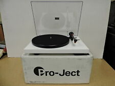 New ListingPro-Ject Debut Carbon Dc Turntable With Ortofon 2M Red Cartridge (White)