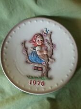 M.J. Hummel collectible plate 1976 Girl in tree with apple hand painted.