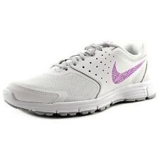 Nike Turnschuhe aus Synthetik mit Schnürsenkeln