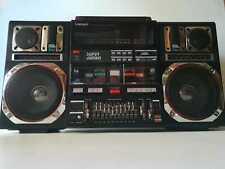 STEREO CASSETTE RECORDER-BOOMBOX-GHETTOBLASTER LARSEN Q100