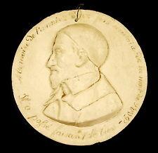 Médaillon à Saint Vincent de Paul c1860 diam 13,5 cm épreuve en plâtre medallion