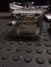 Murphy Magnetic Switch 221-Ph