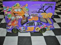 1/24 Elliott Sadler #38 M&M's / Halloween 2005 Taurus NASCAR Diecast Car