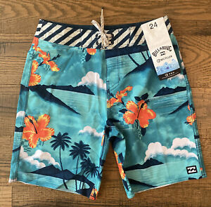 Billabong Boys Swimtrunks Sundays Pro Boardshort Size 24 Hawaiian Shorts NEW